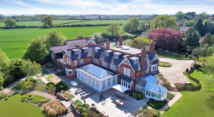 amazing_english_mansion_dream_home_in_countryside