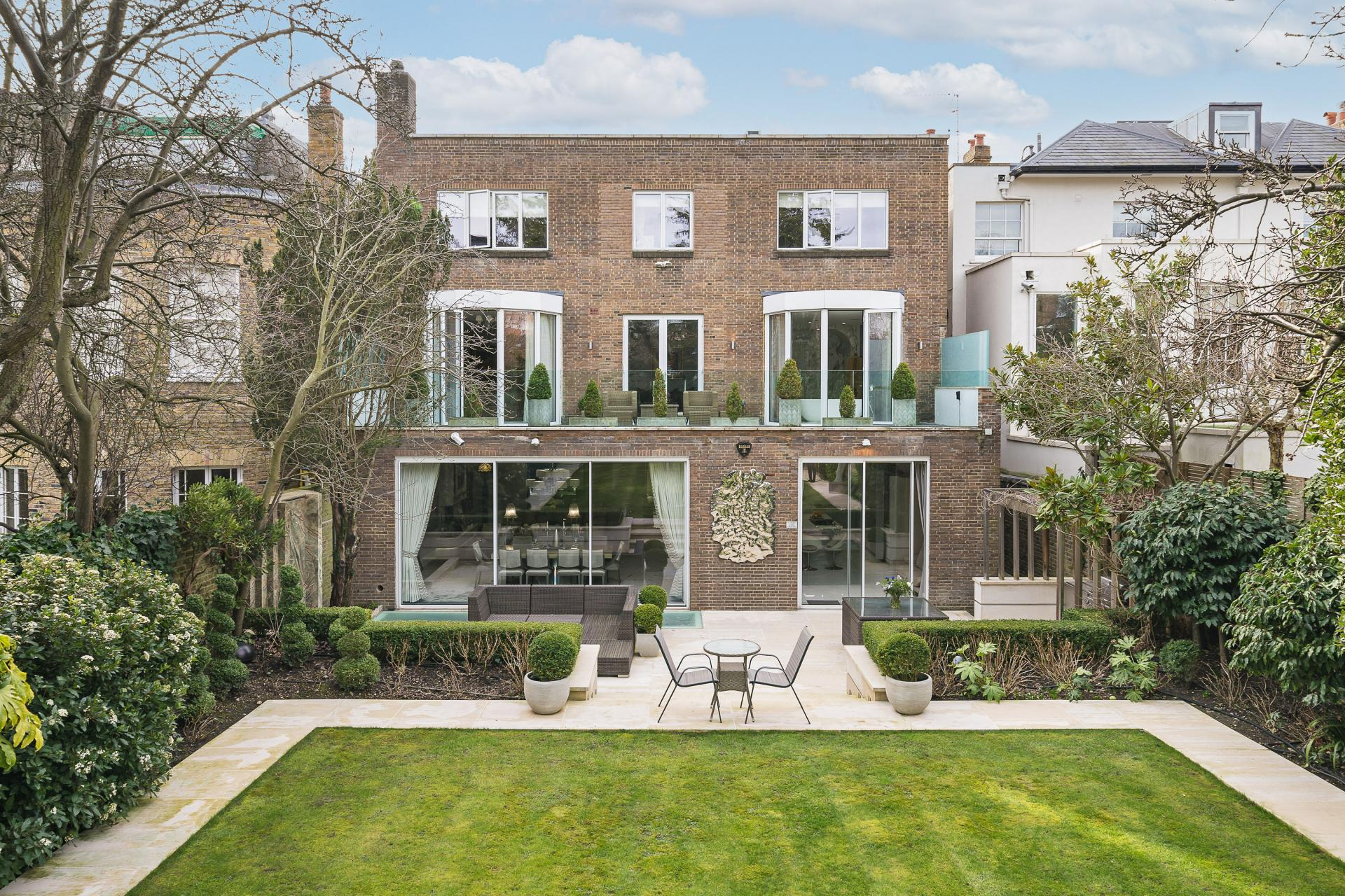 Art Deco luxury London terraced house garden