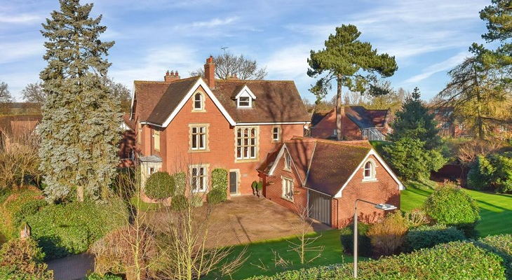 beautiful_country_character_house_in_nottinghamshire