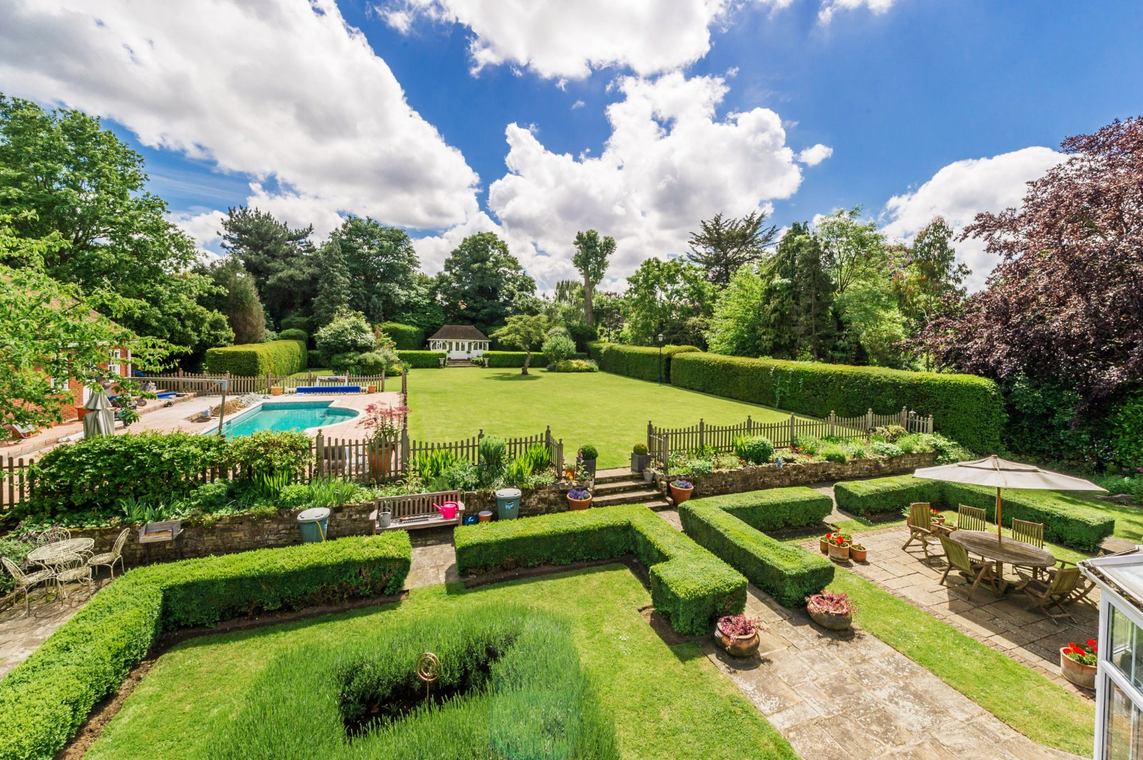 Beautiful sunny landscaped gardens in South Sutton, Surrey