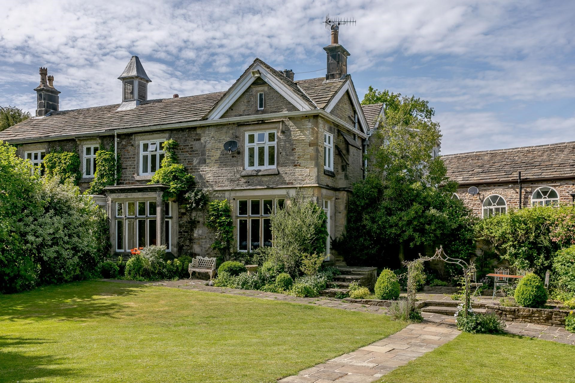beautiful Victorian country home near Peak District National Park