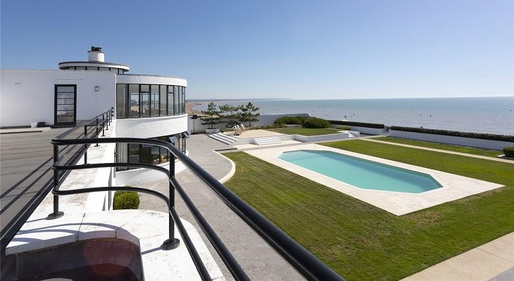 Brighton luxury Art Deco party property swimming pool UK