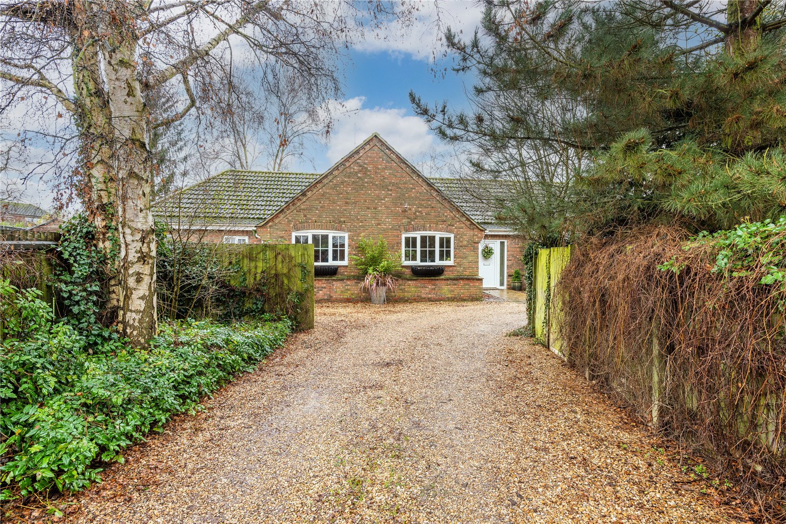 bungalow with private drive in cambridge