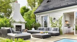 Bringing the Outside in: Indoor-outdoor Living