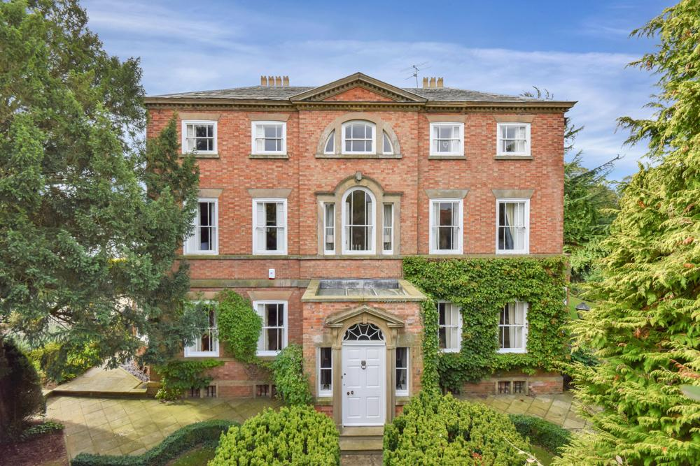 Grade II listed country home in Nottinghamshire