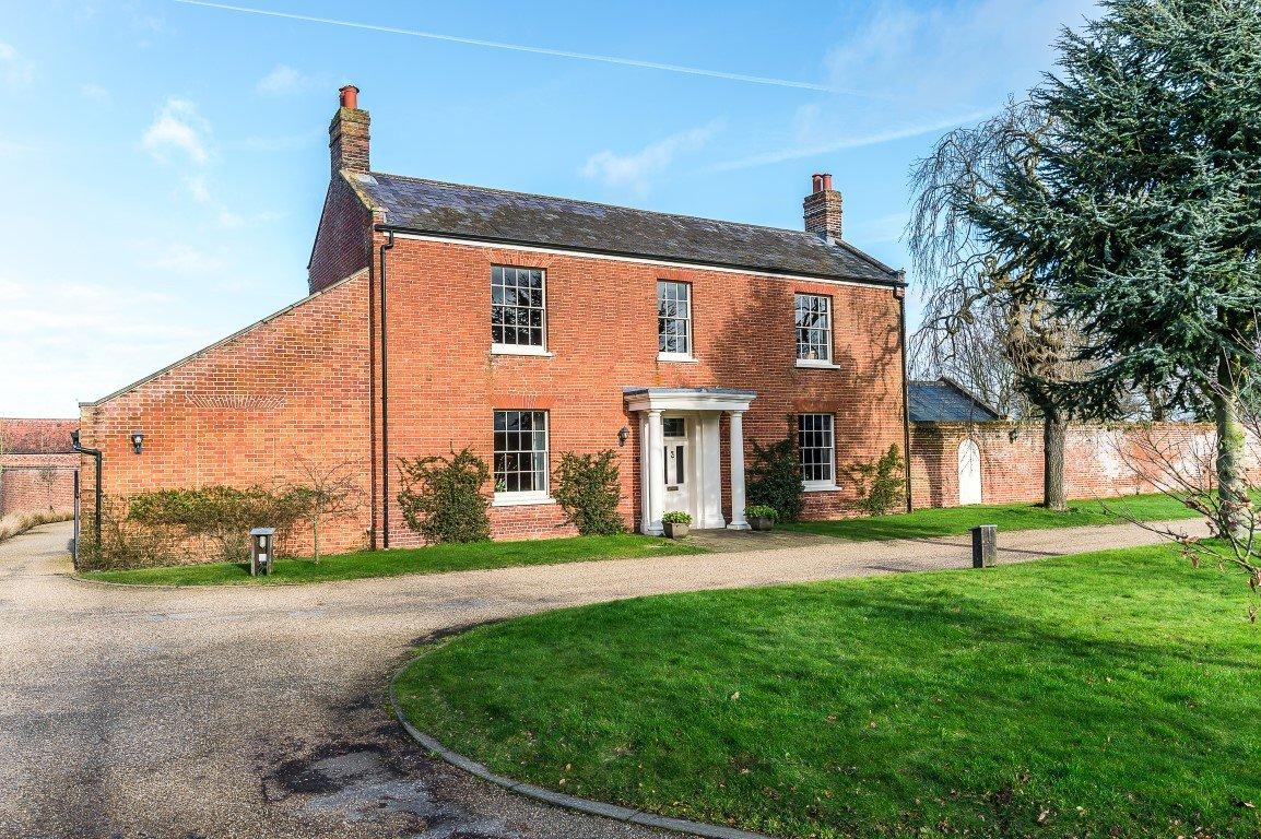 Grade II Listed Georgian farmhouse in Norfolk