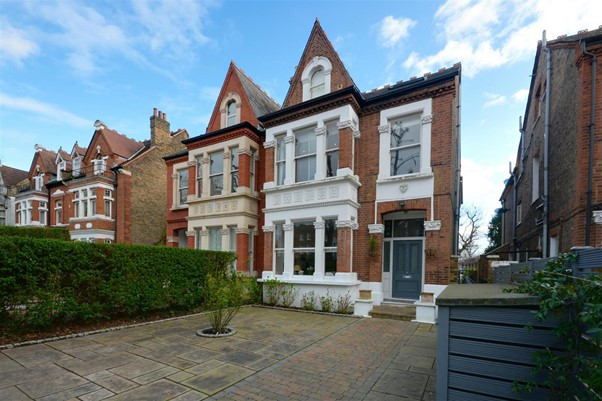 Grand Victorian semi-detached period house in Chiswick West London