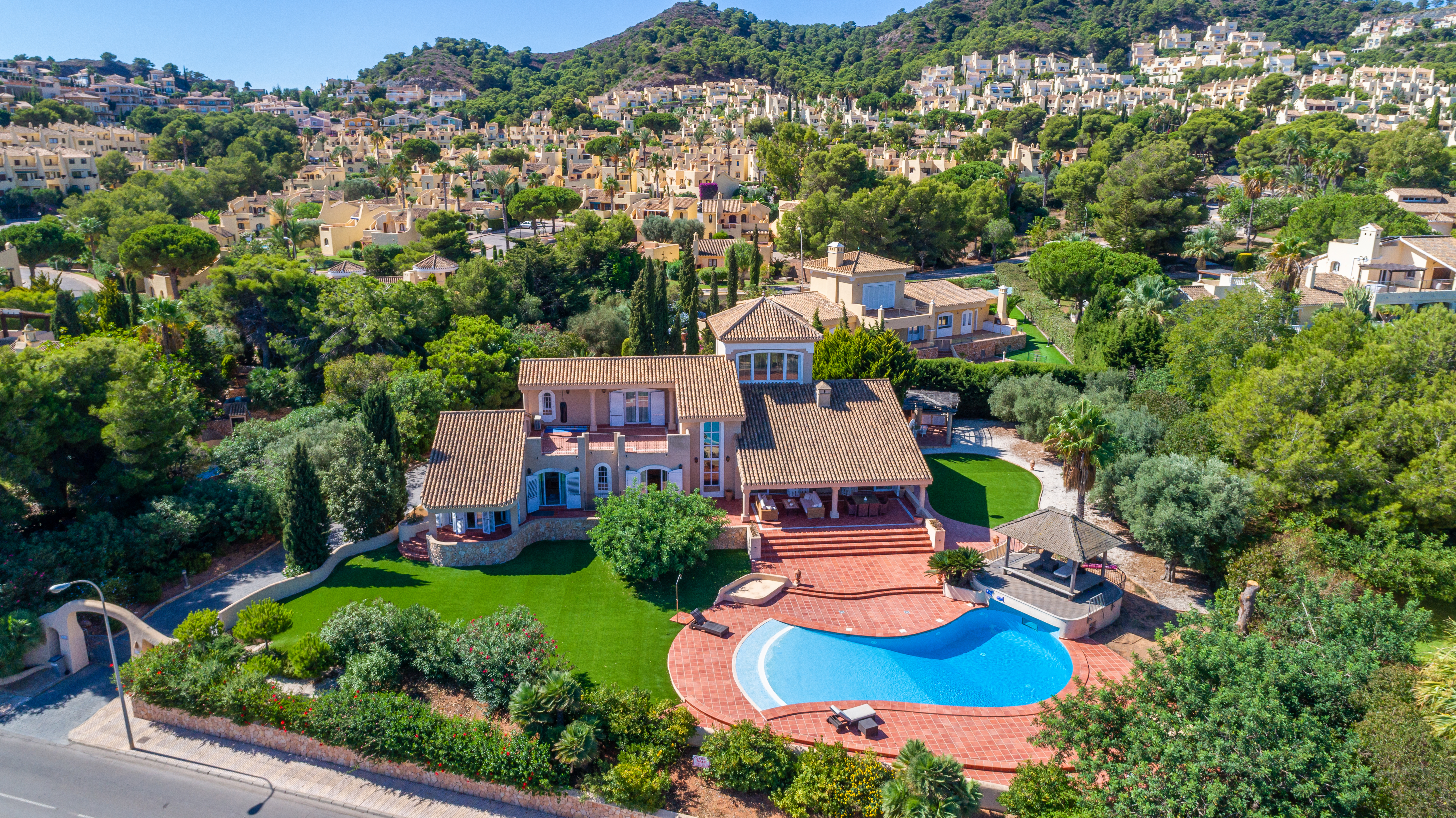 luxury classic Spanish villa with outdoor swimming pool holiday home