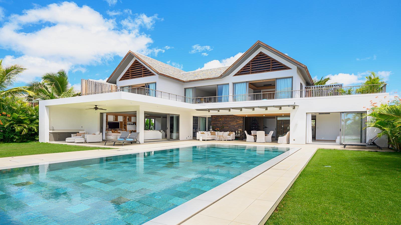 luxury modern villa in Mauritius with terraces and swimming pool