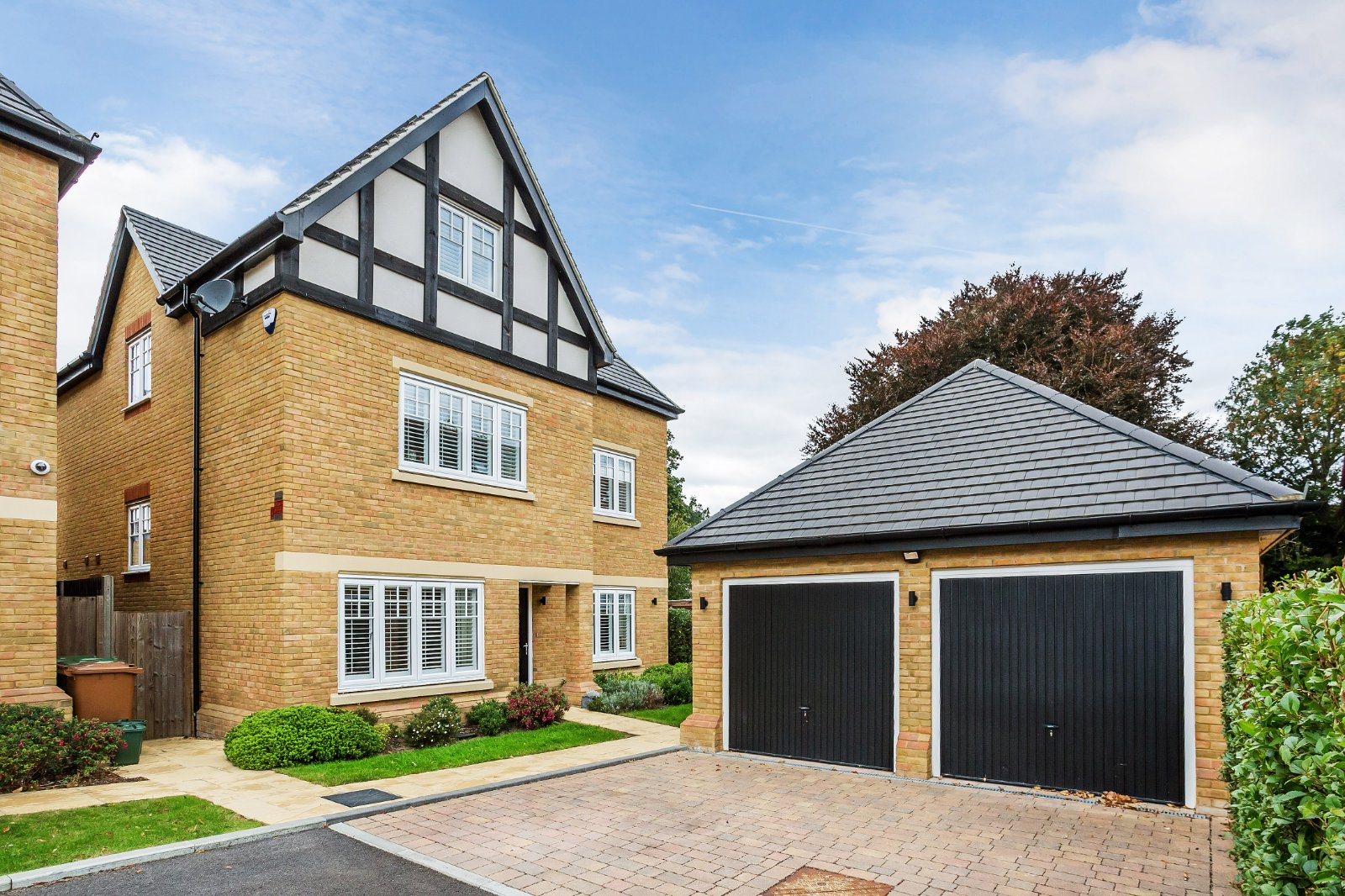 luxury specification new build family home in London Surrey area