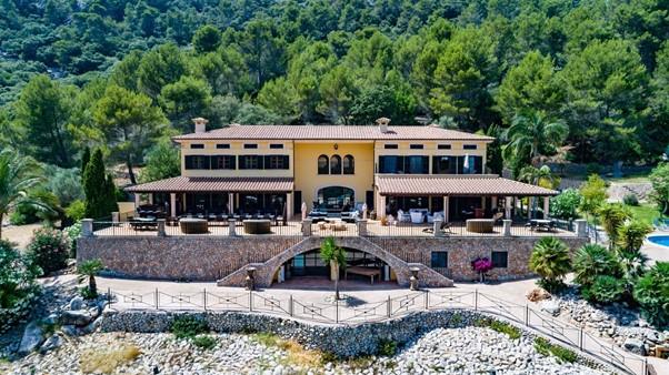 Mallorca Mediterranean luxury mountain villa