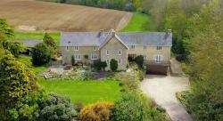Homes Under £925,000