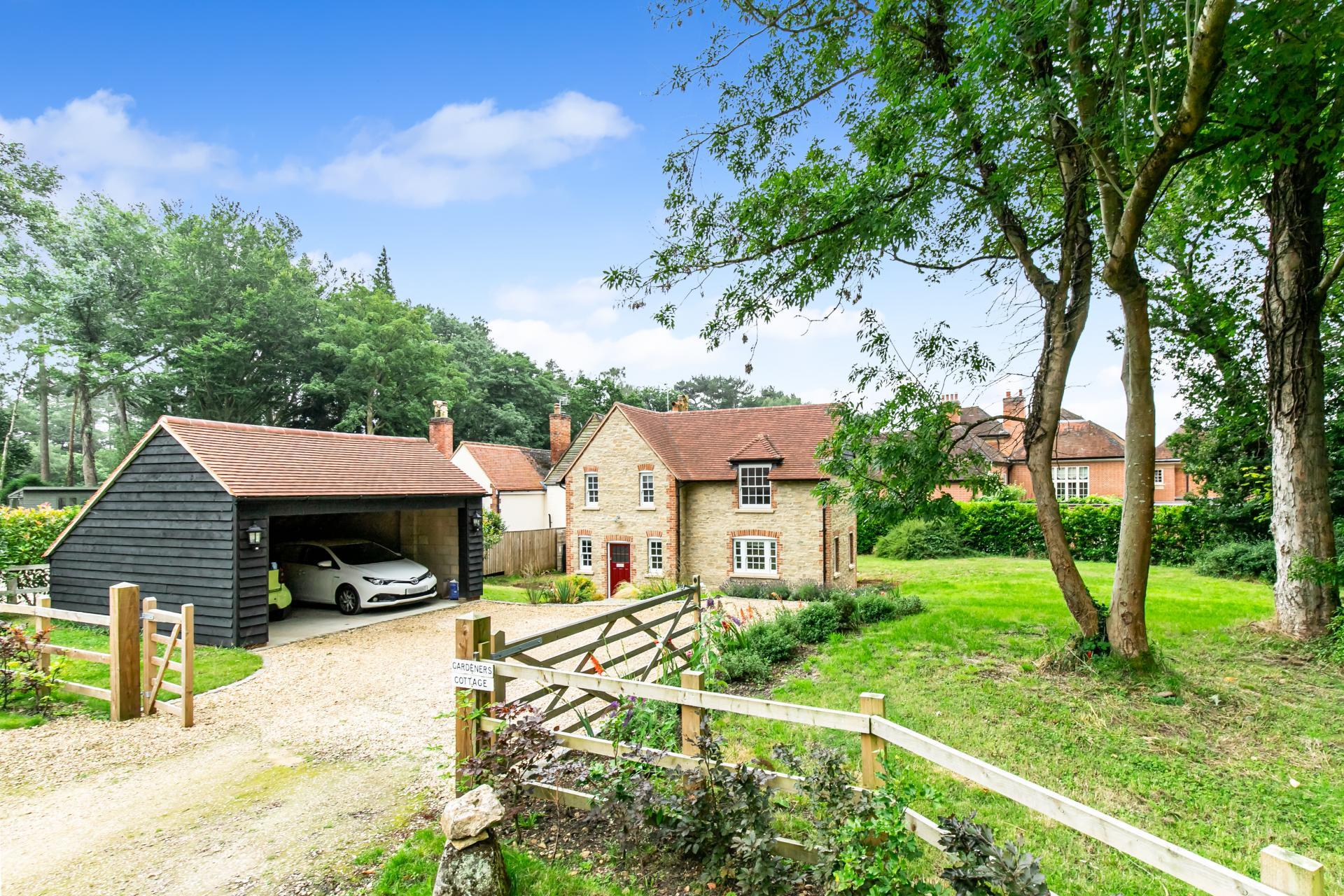 4 Bedroom Cottage for sale in Oxford