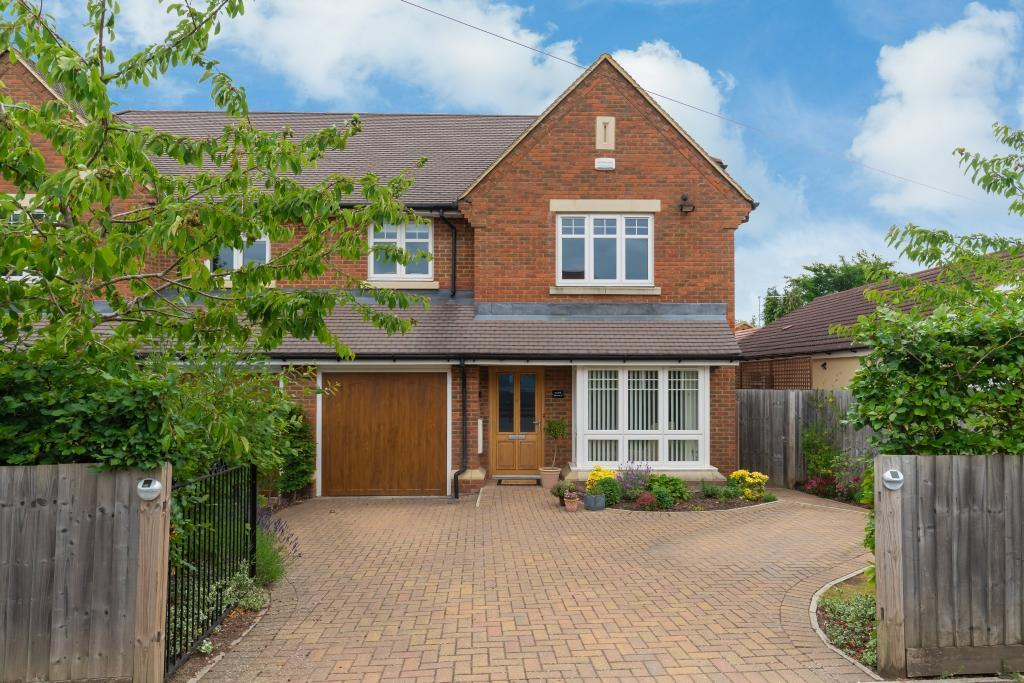 buckinghamshire atttractive family home with flowers in england.jpg