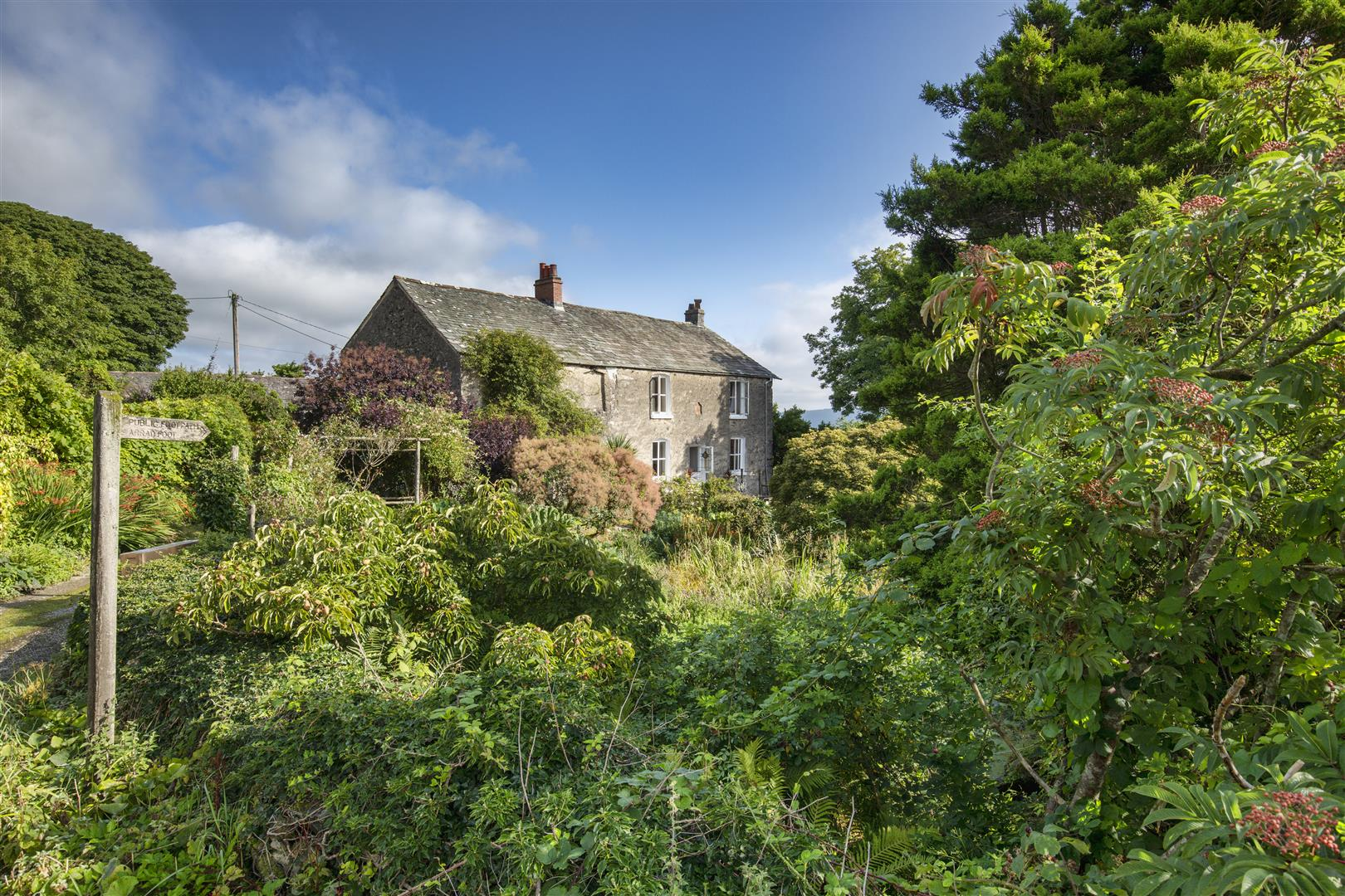 country georgian farmhouse in Lakeland with barns for sale