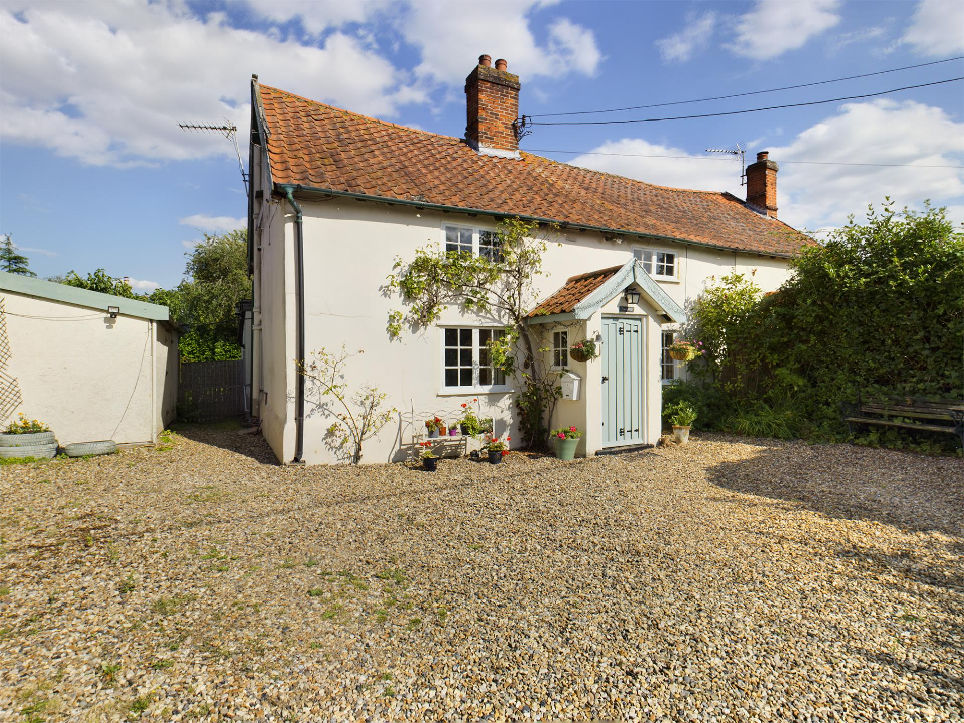 Grade II Listed country cottage in Norfolk