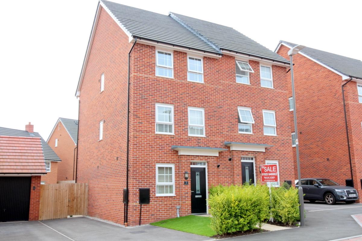 James Du Pavey Estate Agents (Nantwich) new build house for sale