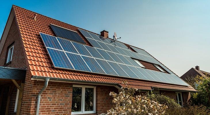 solar_panels_on_house