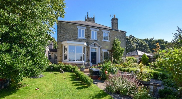spacious_five_bedroom_family_home_in_crook_durham