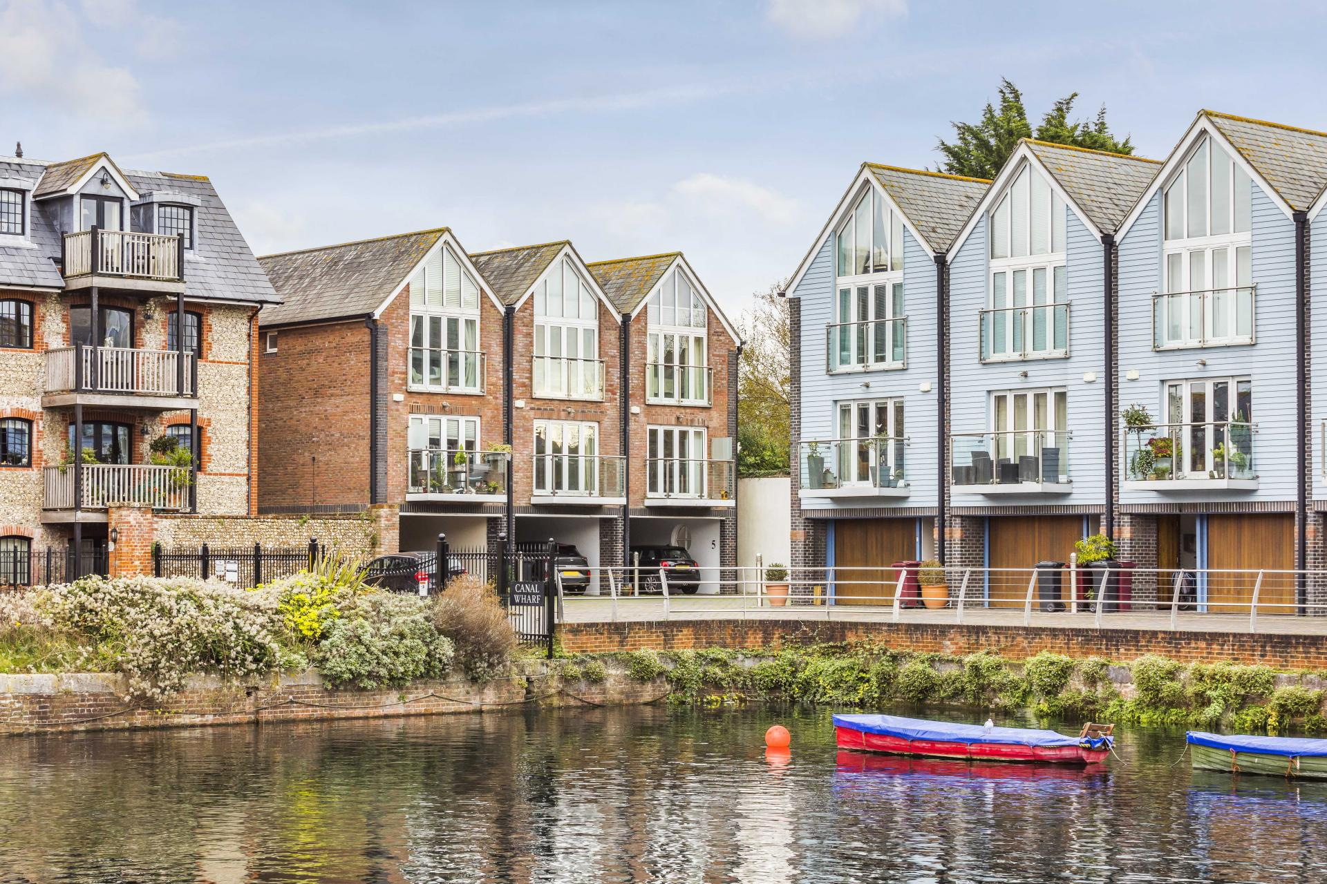 waterside 3 Bedroom End of Terrace House for sale in West Sussex