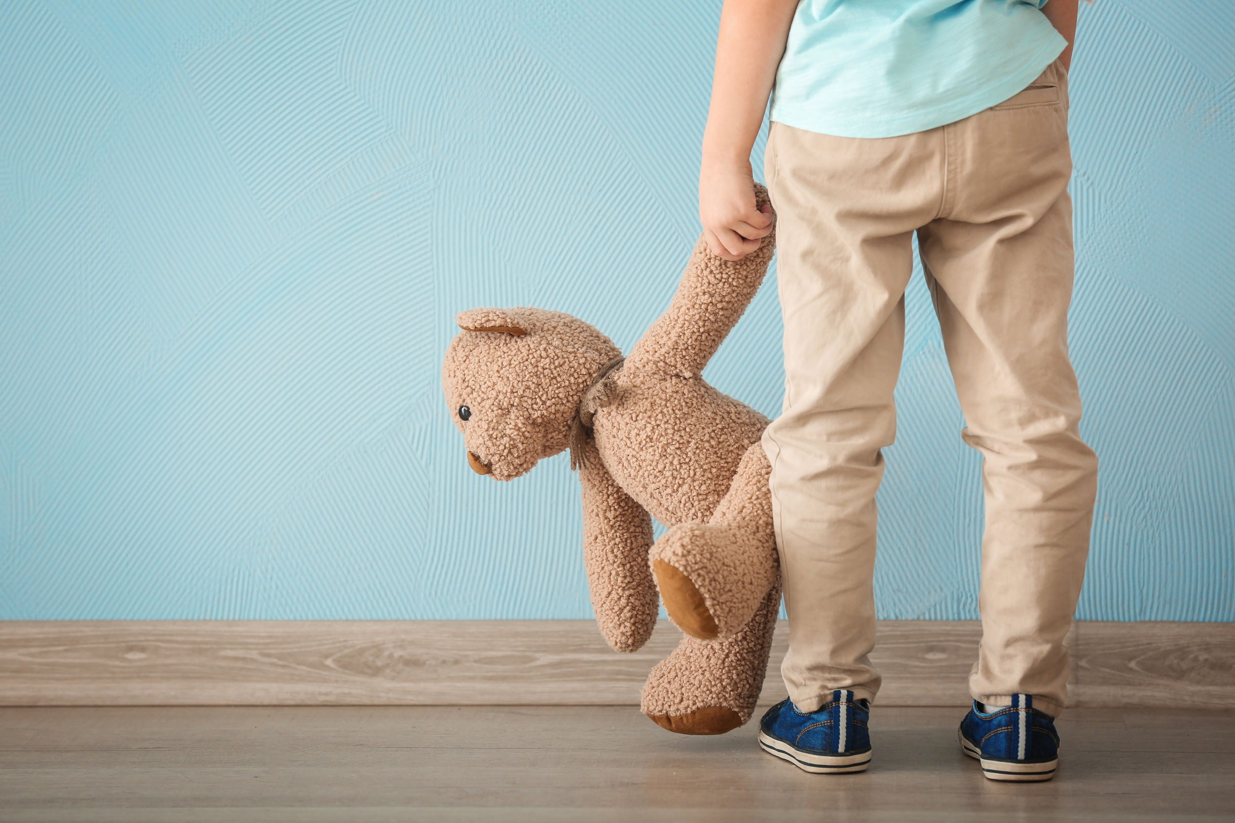 child_and_bear