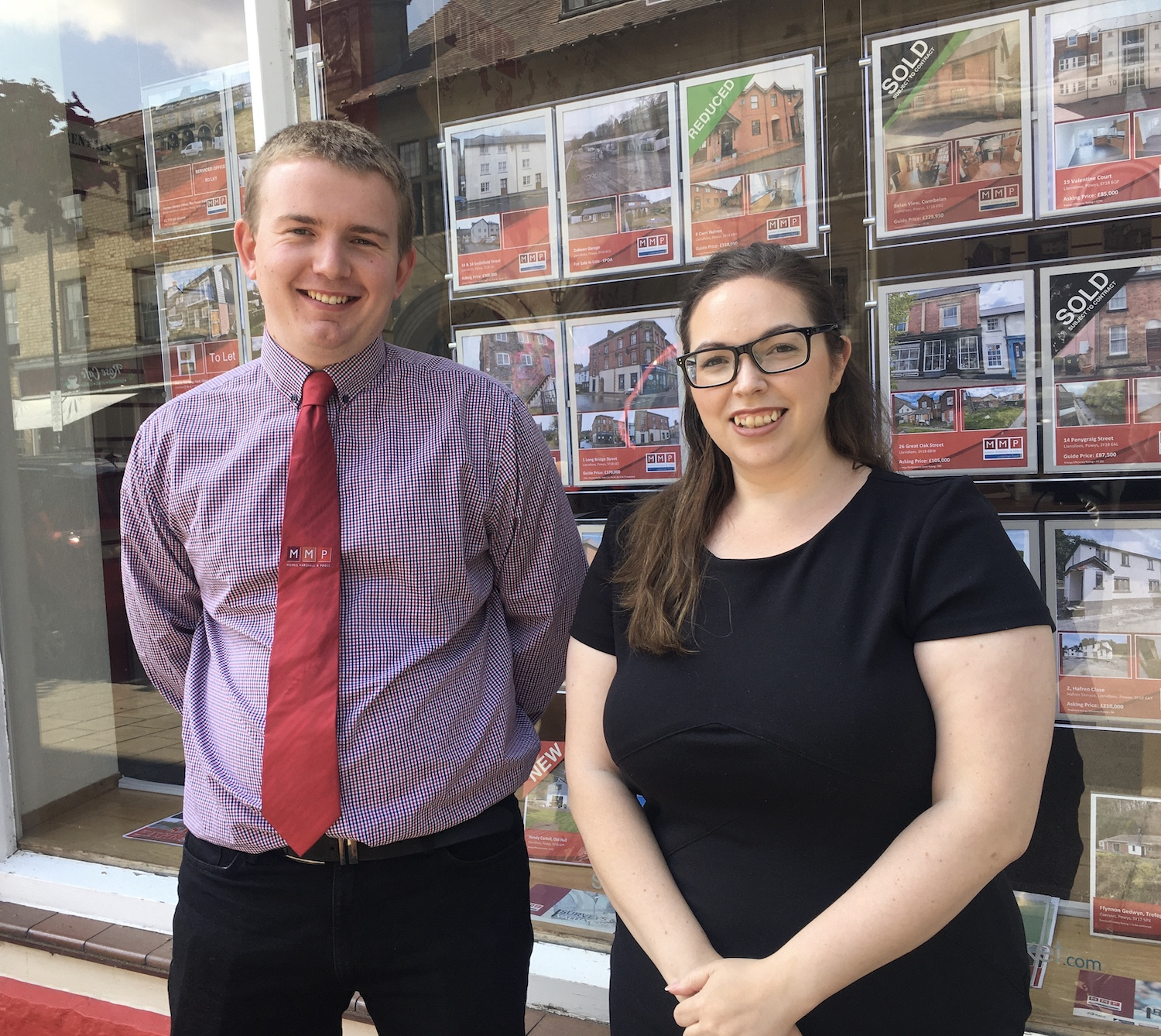 tom_lewis_and_sarah_rees_of_morris_marshall_and_poole_powys