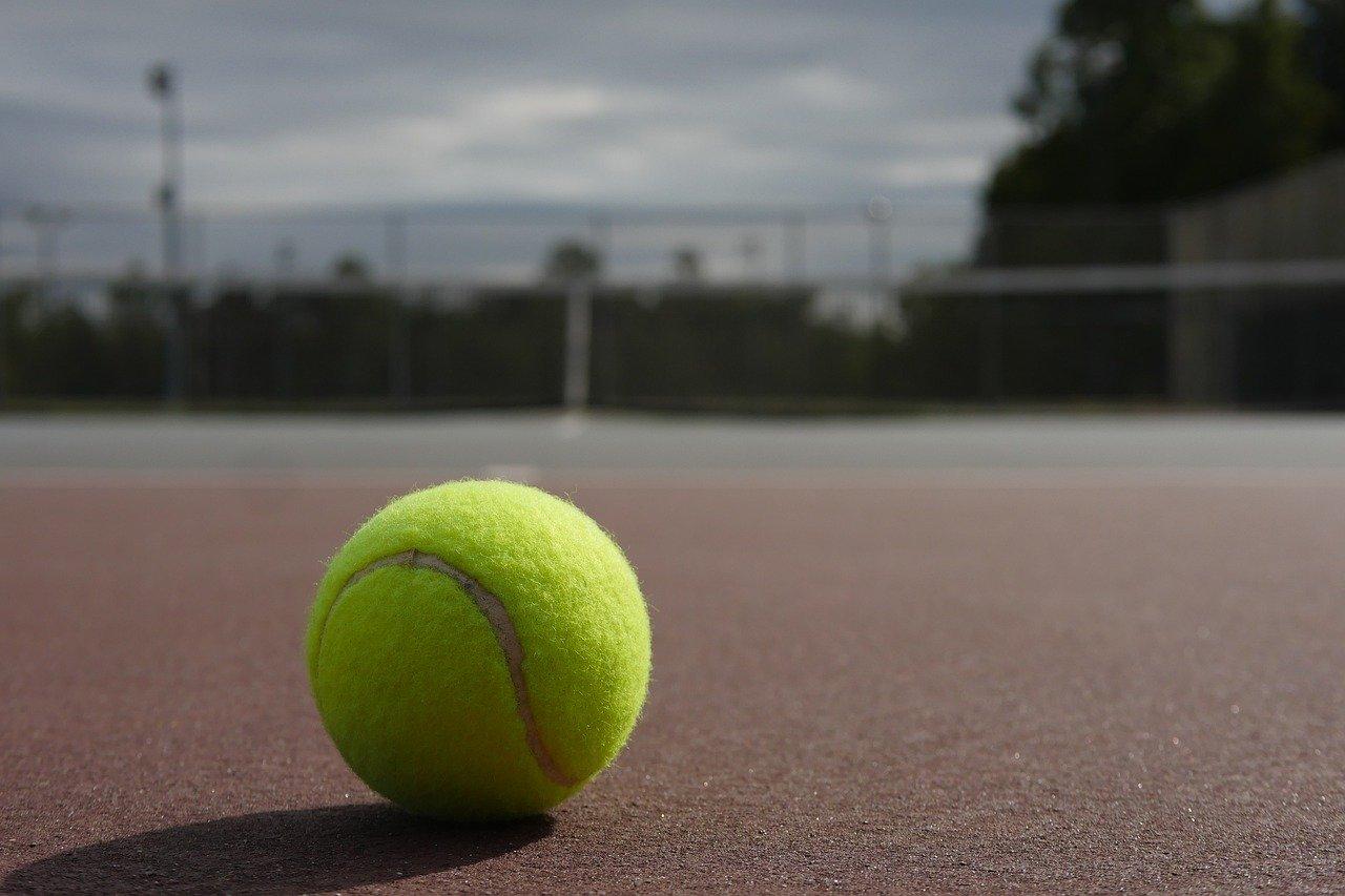 2205_tennis_ball_
