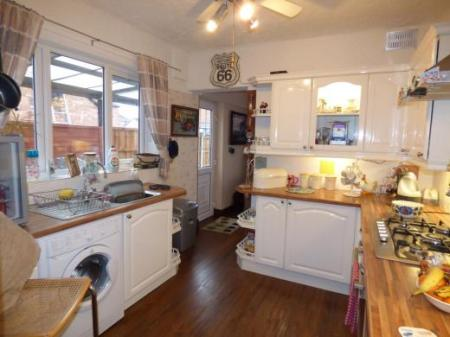 Orchard Road, Whitby, Ellesmere Port, Cheshire, CH65