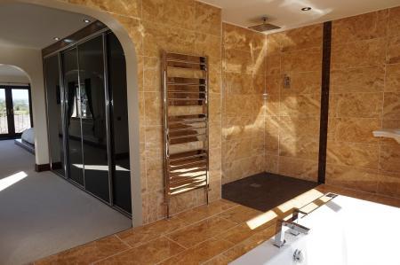 En Suite Bathroom/Wet Room