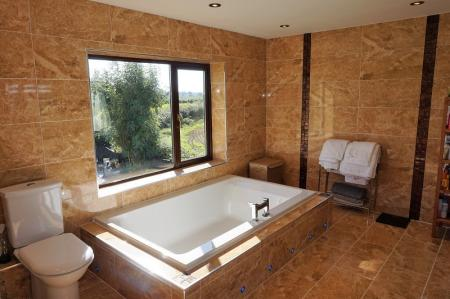 En Suite Bathroom/Wet Room