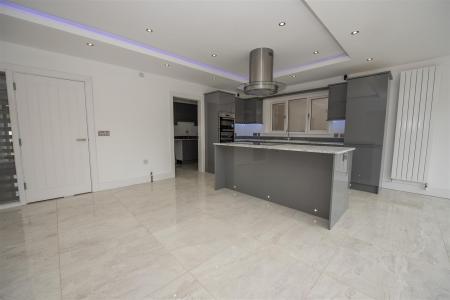 Kitchen Dining Area (6).JPG