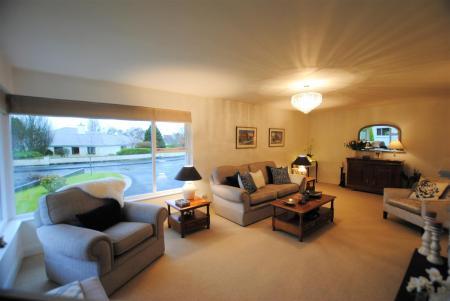 new lounge 3.jpg