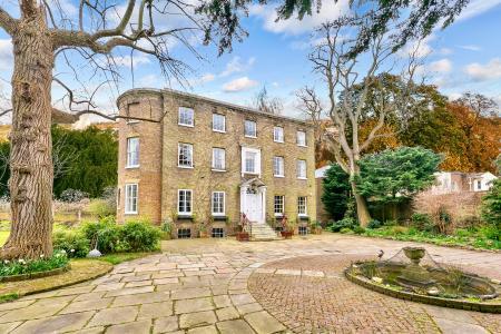 Ivy House, Hampton Court Road