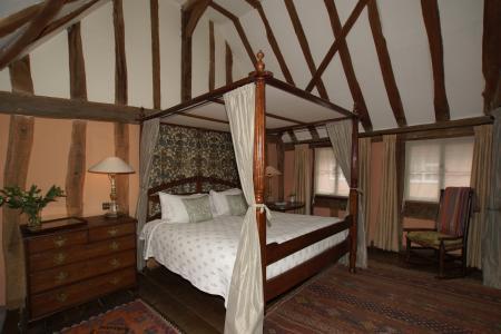3 Shilling Street bedroom (crown post).jpg