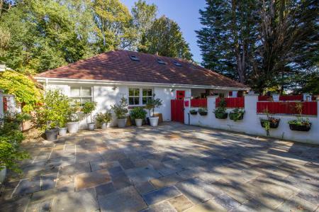 3 Bedroom Bungalow For Sale In Llandough