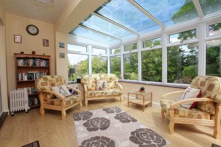 Superb countryside views from many rooms