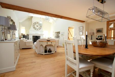 Chain just broken and now re-available, stunning detached Barn Conversion & Annexe