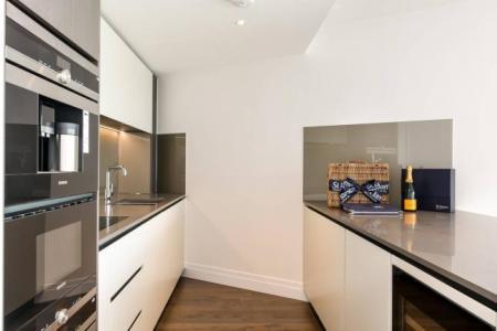 Kitchenc1.jpg