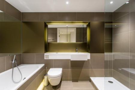 Bathroomc.jpg