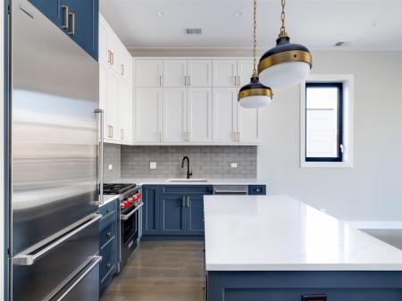 Blue Kitchen1r.jpg