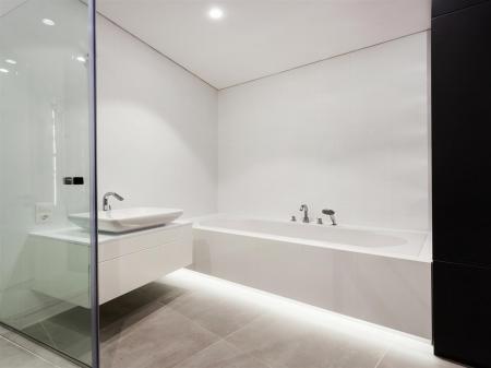 bathroom8r.jpg