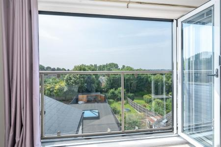 Bifold Doors And Panoramic View