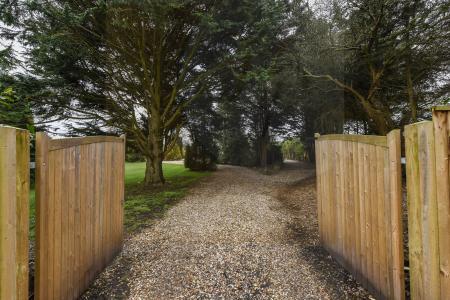 Ringwood Road, St Leonards, Ringwood, BH24 2SB