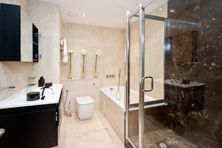 Bathroom Parkwood Point 39848