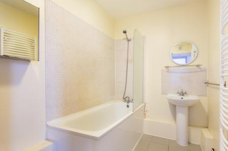 Bathroom LG Floor Flat