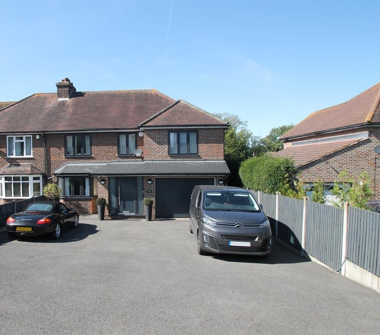 4 Bedroom House For Sale In Larkfield