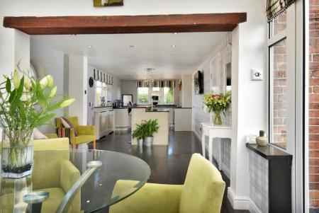 LIVING / DINING KITCHEN