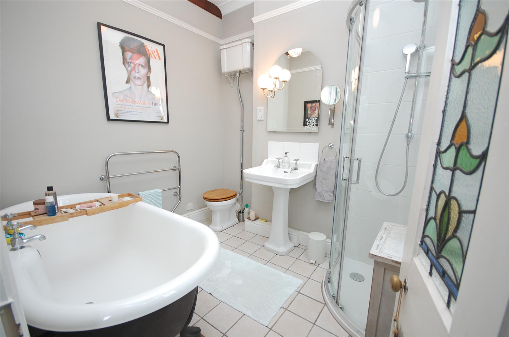 4 bedroom Semi-Detached House for sale in Nottingham