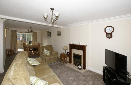 Westfield Close, Chesterfield, S40 3RS