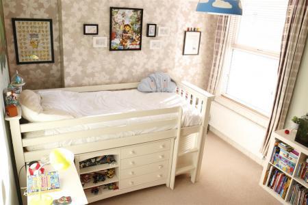14_Bedroom2.jpg